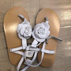 NWOT White Leather flower sandal